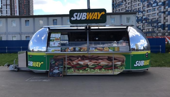 Внешний вид фудтрака Subway.