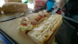 Сэндвич с курицей от московского фудтрака Beetle Chef.