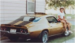 Автомобиль владельца пиццерий Papa john's