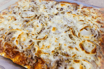 Thunfisch Pizza vom Blech