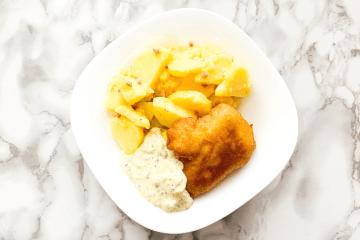 Backfisch mit Kartoffelsalat & Remoulade (1)