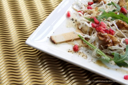 Cecil peyniri cheese with pomegranate