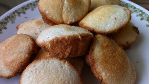 Angel Food Cake Cupcakes