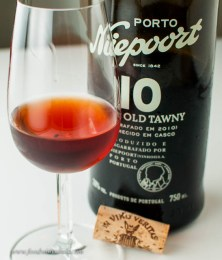 Niepoort 10 year tawny shows the usual tawny color.