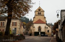 Volnay features a church, municipal building and as far as I could see, 1 restaurant.