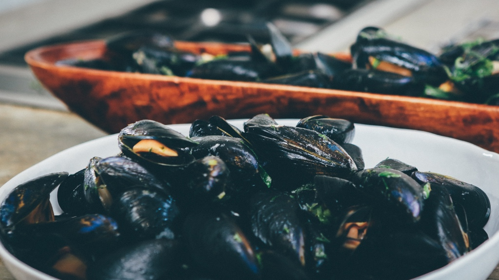 Bowls of steamed mussels in Ireland on foodwithaview.com   photo by Nick Karvounis