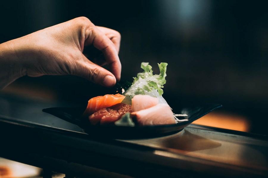 Omakase japanese tasting menu sushi | Tasting menus in NYC under $100 | NJ restaurants with tasting menus | photo by kyle head | foodwithaview.com