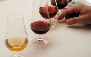 Port tasting © Porto Convention and Visitors Bureau