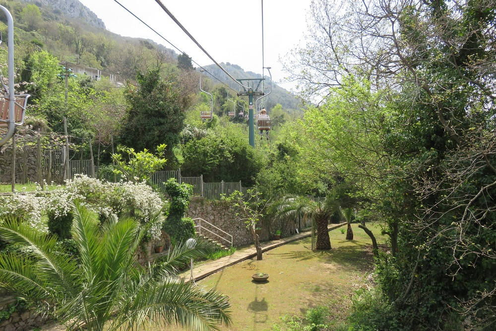Capri Taking a chair lift gardens opt 1