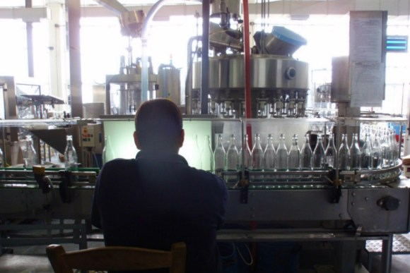 0074 and 0076 Like clockwork: the bottling line keeps on rolling at Tsantali's Halkidiki wine and spirits factory