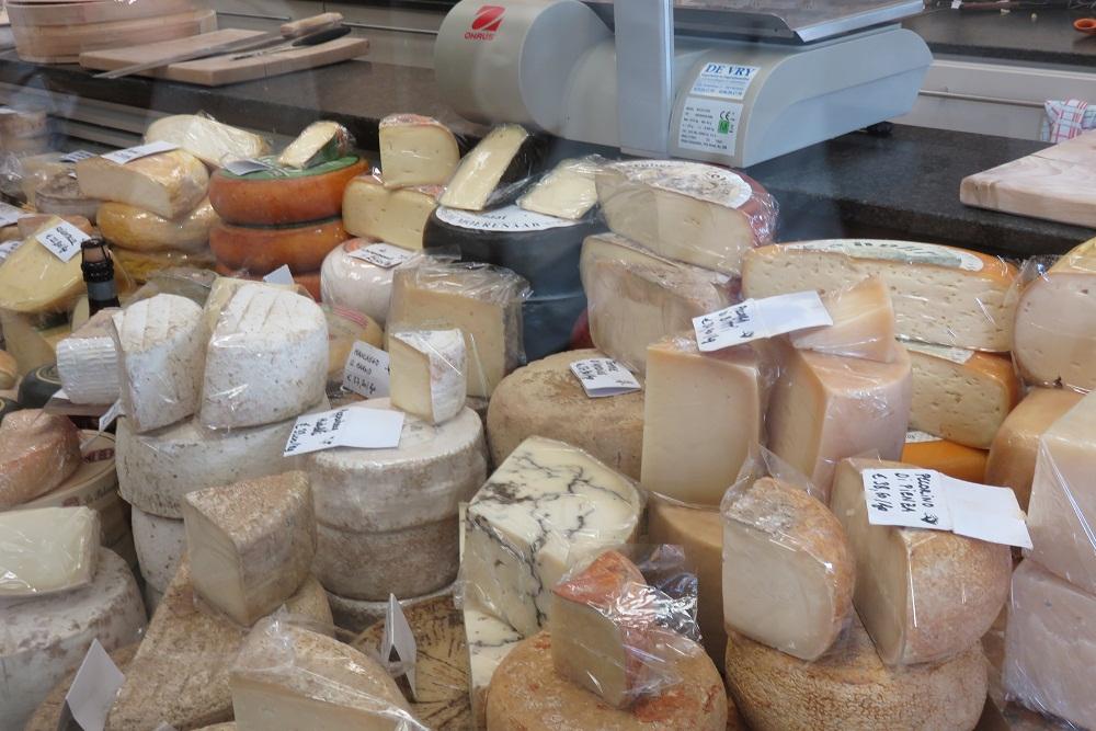 Mechelen Cakes chocs and cheese shop sub para 2