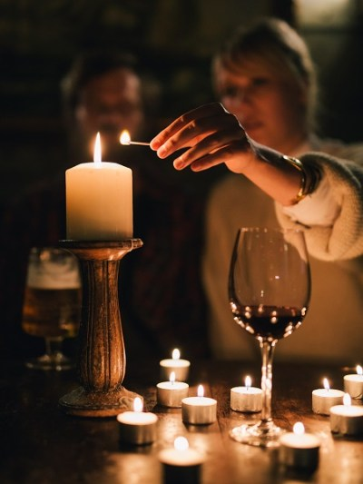 Candlelit feast for Shine for ShelterBox charity campaign
