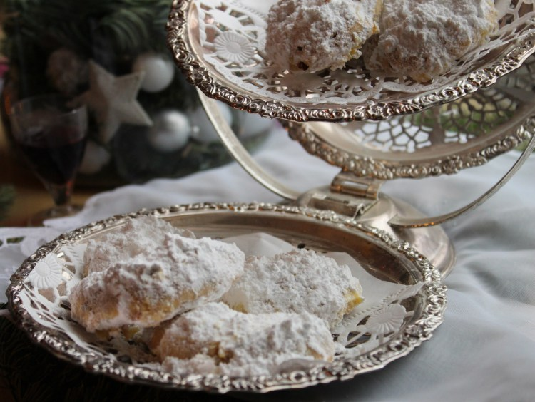 Snow-covered Greek Christmas Cookies