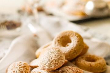 Madeleine Cookies, Tea pot