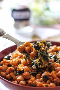 Chickpeas, tomato sauce, bowl, fork Spinach
