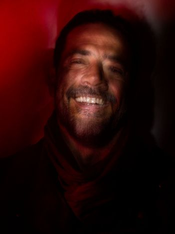 Jeffrey Dean Morgan as Negan- The Walking Dead _ Season 7, Gallery - Photo Credit: Frank Ockenfels 3/AMC