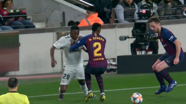 Liga : Real Madrid – Levante (1-2)