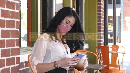 hispanic-girl-woman-face-mask-social-distancing-coronavirus
