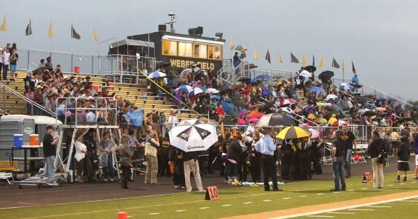 Images: Glenbard East High School vs. Glenbard North High ...