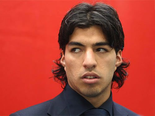 Luis Suarez, who was announced by LFC TV to have signed a new Liverpool contract before the new was officially released by the club