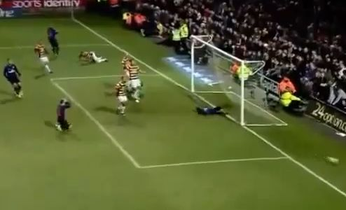 Arsenal's Gervinho miss against Bradford in the Captial One Cup
