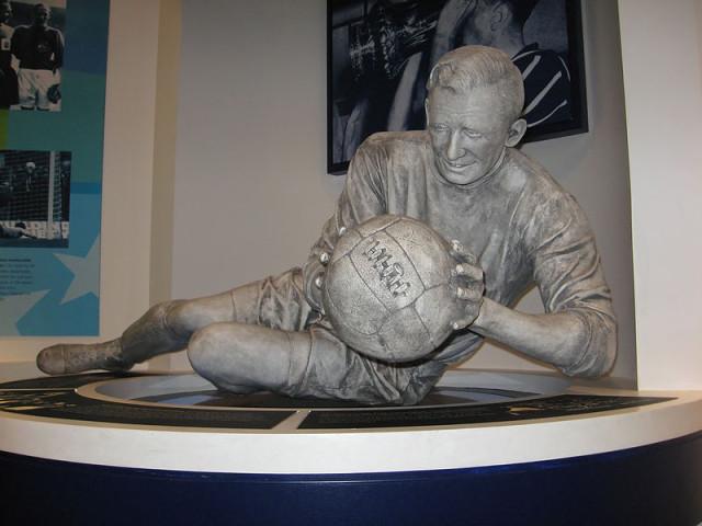 Bert Trautmann statue
