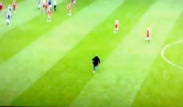 Millwall fan pushes Clough, runs across pitch and leaves stadium