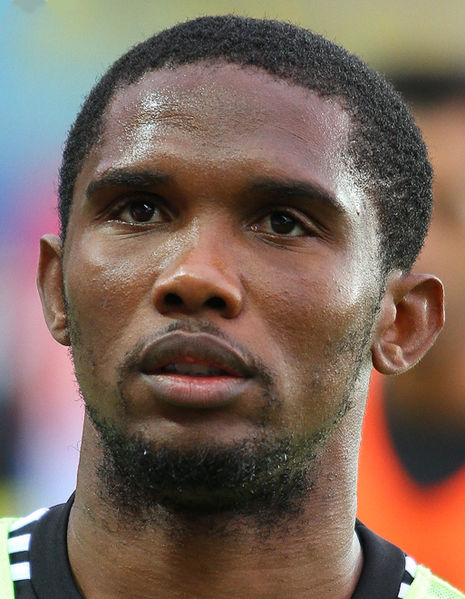 Samuel Eto'o, admired in one of the Tweets of the Weekend - this week featuring short stories, the Man Utd crisis & more