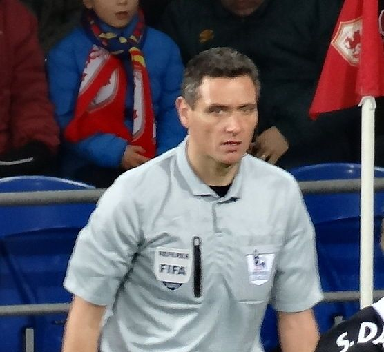 andre Marriner, star-to-be of the Andre Marriner FA Cup semi-final