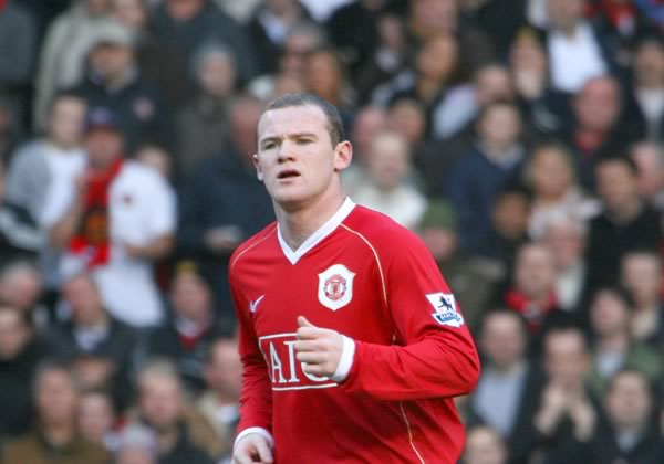 People were criticising and making Wayne Rooney jokes after he missed a sitter against Wolfsburg in their 2-1 Champions League Group B win