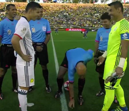 Coin lands on its side during Colombia v Paraguay coin toss