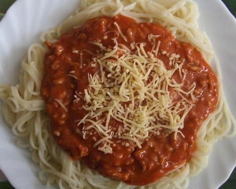 Some Spain kit jokes compared it to a spilt spaghetti dinner