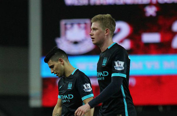 Kevin De Bruyne is blue and red, confusing Barcelona
