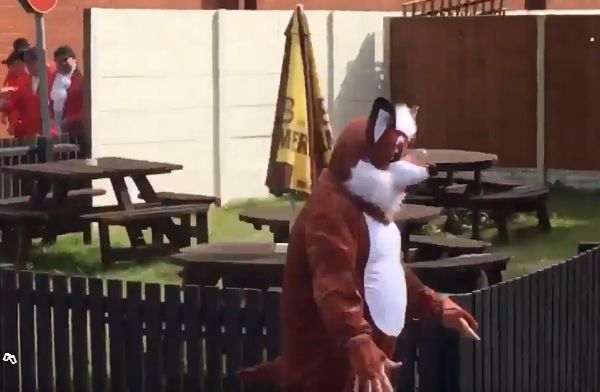Leicester fans' costumed fox hunt at Lord's for England vs South Africa first test