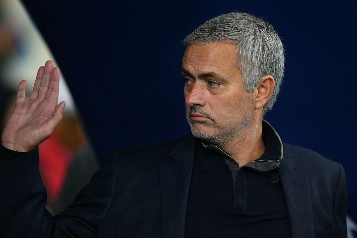 José Mourinho lookalike steward at Goodison Park during Everton vs Burnley