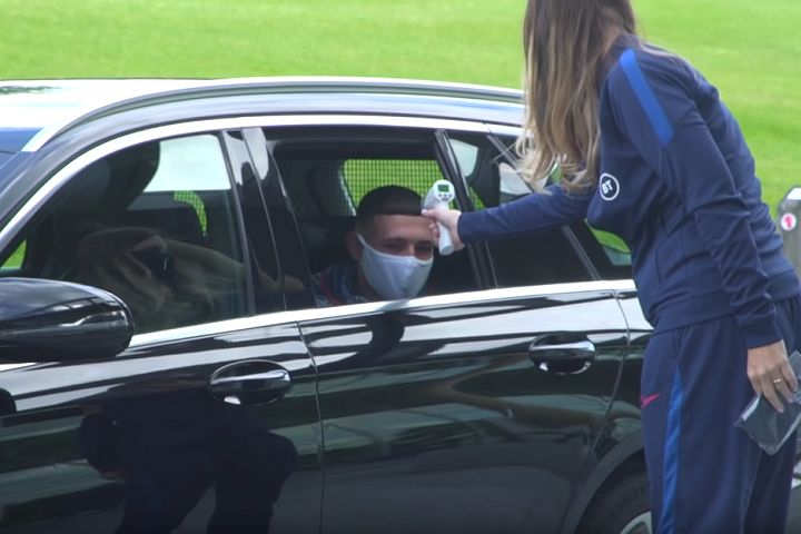 There were tweets and jokes as Mason Greenwood and Phil Foden were sent home from the England camp for breaking coronavirus rules after meeting two girls at the team hotel