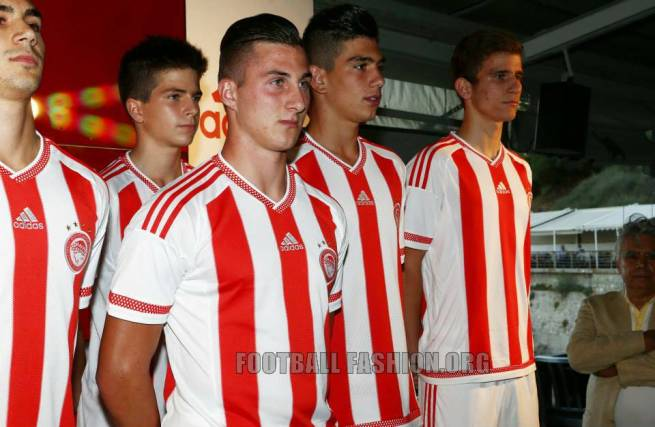 Olympiacos-FC-2015-2016-adidas-Home-Kit (14)