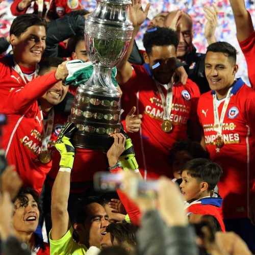 Chile 2015 Copa América Champions PUMA Soccer Jersey, Football Kit, Shirt, Camiseta Campeon Sudamericana