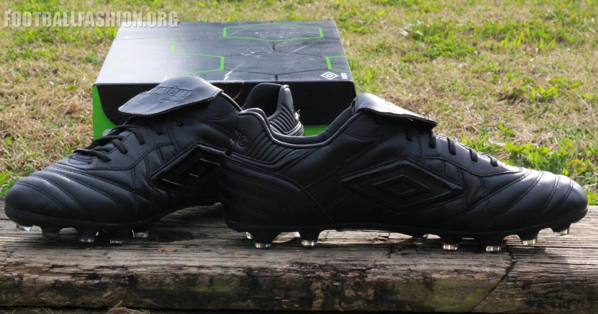 umbro wishbone football boots