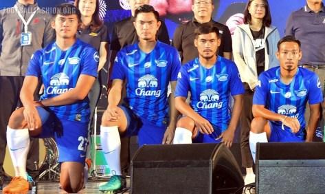 chonburi-fc-2017-nike-kit (3)