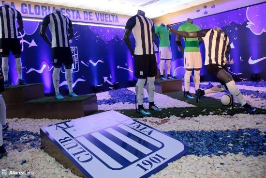 Alianza Lima 2018 Nike Home and Away Football Kit, Soccer Jersey, Shirt, Camiseta de Futbol