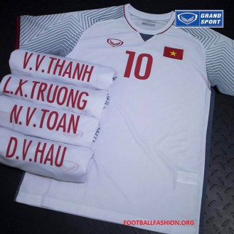 vietnam-2018-grand-sport-football-kit (11)