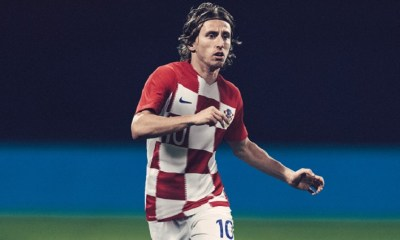 Croatia 2018 World Cup Nike Home and Away Football Kit, Soccer Jersey, Shirt, Dres