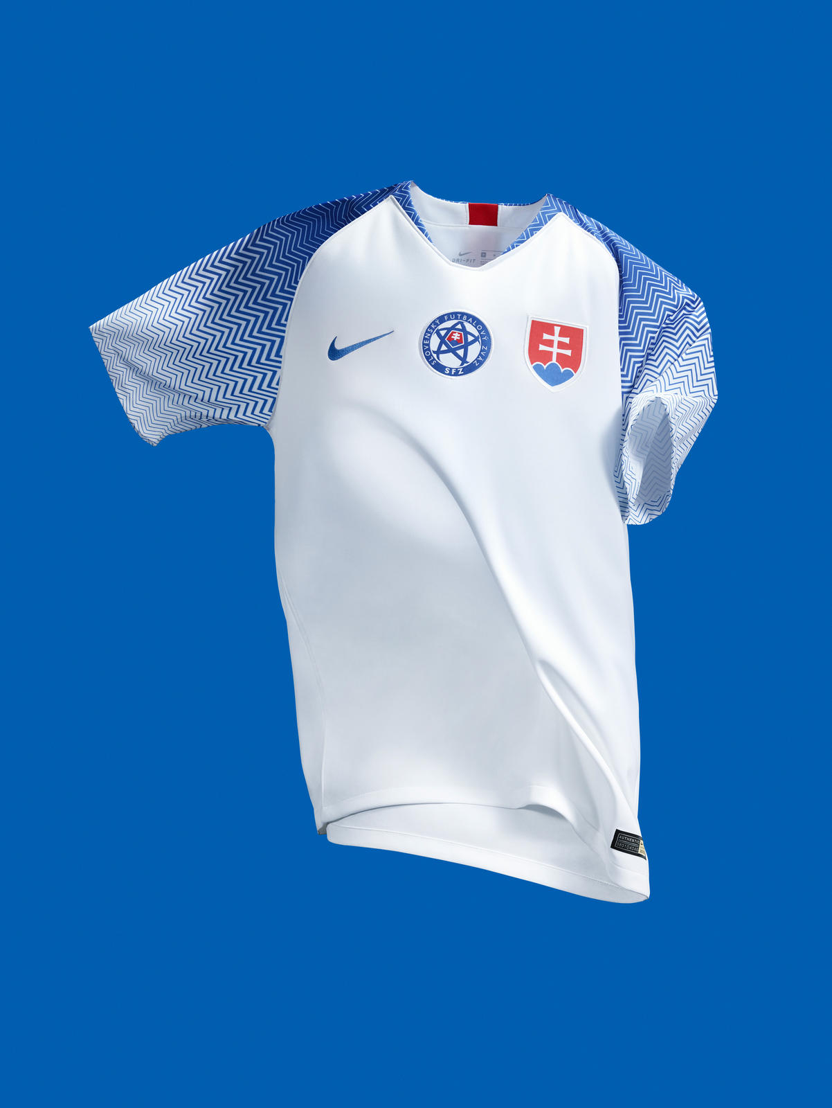 c1d3e9be204 Slovakia 2018 2019 Nike Home Football Kit, Soccer Jersey, Shirt, nové dresy  slovenskej