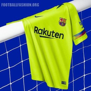 FC_Barcelona_Yellow_Nike_Away_Kit_2018-2019 (8)