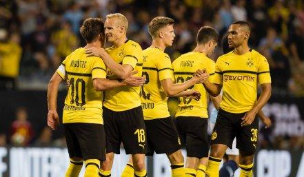 borussia-dortmund-2018-2019-puma-cup-kit (4)