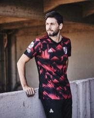 river-plate-2019-adidas-third-kit (16)