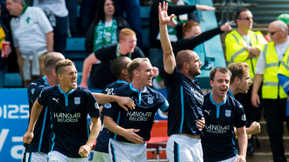 Hartley guides Dundee to solid start back at the top