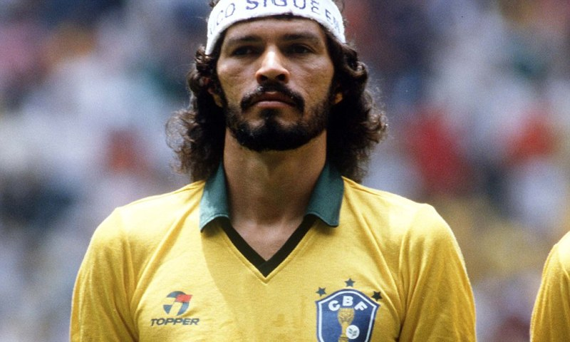 Image here http://www.dailymail.co.uk/sport/football/article-2069755/Socrates-dead-Brazil-football-legend-dies-57-following-short-illness.html