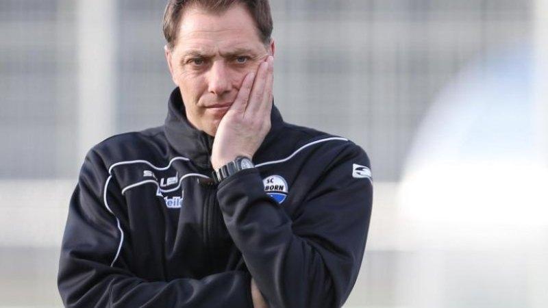 Image here http://www.morgenpost.de/sport/fussball/article207118321/Rene-Mueller-wird-beim-Paderborn-Nachfolger-von-Effenberg.html